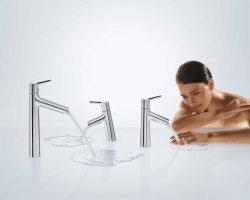 talis-s-bath-mixer_comfortzone-technology_hand-washing-woman.4x3